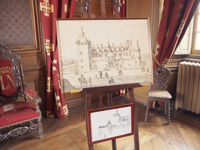 Gravure du chateau de fleville presentee dans le chateau