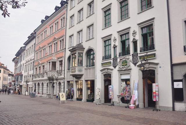 Escapade: dans la vieille ville de Schaffhouse. Blog de voyage en Suisse Yapaslefeuaulac.ch