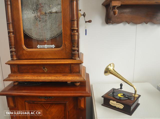Gramophone Thorens - dans un petit musée suisse dédié aux boîtes à musique en suisse
