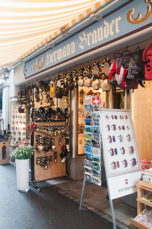 magasin-souvenirs-suisse (2)