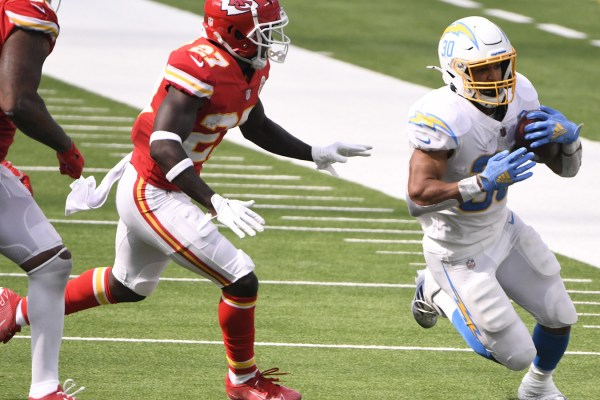 Winners, losers from Chiefs' wild overtime victory over Chargers |  Yardbarker