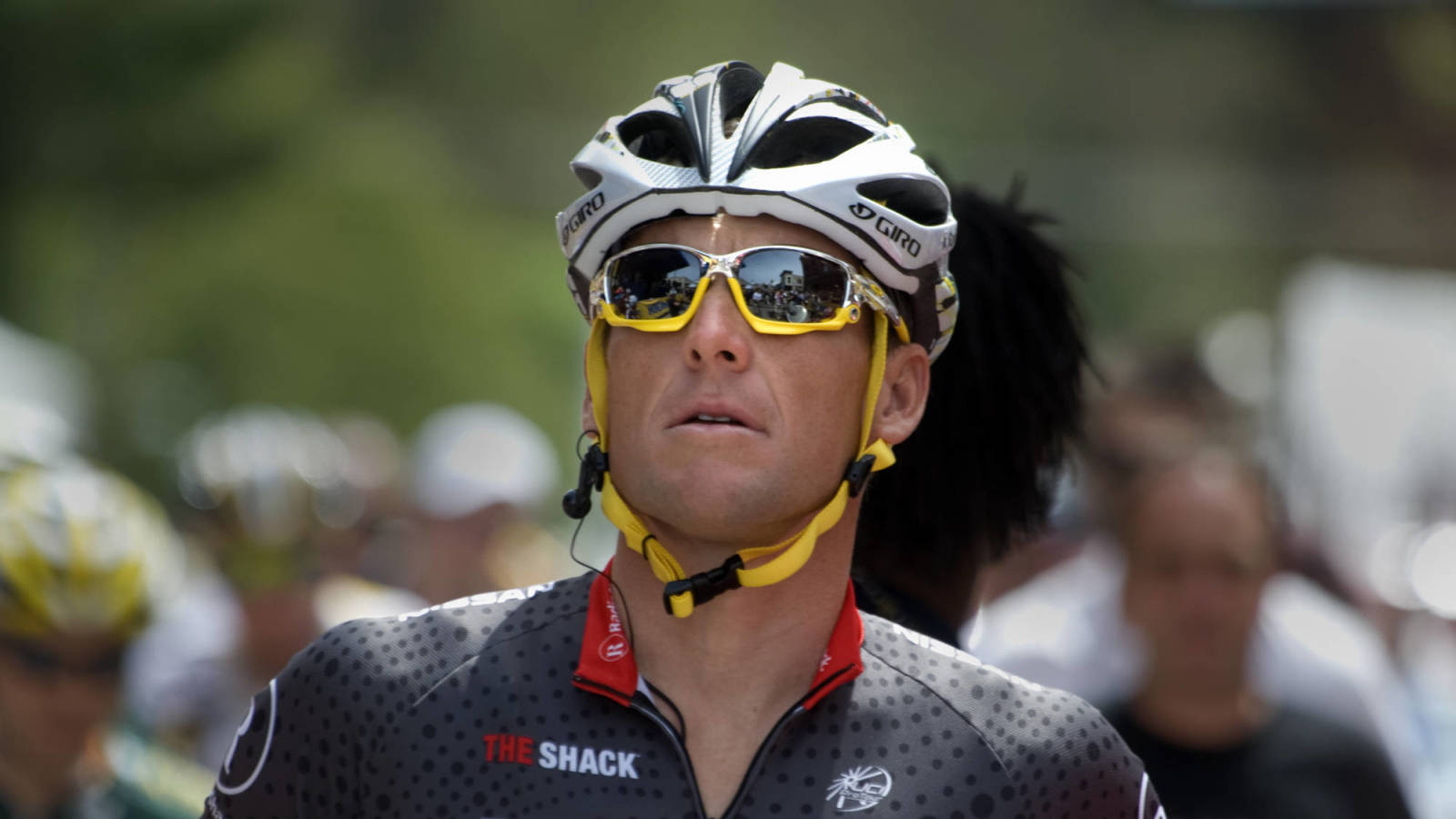 Photo of Lance Armstrong open to son taking DEP