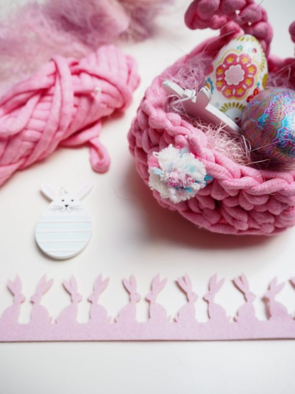 Osterkörbchen - Hase mit Ohren, Häkelanleitung kostenlos, Pompon Schwanz, häkeln