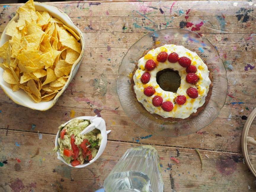Kuchen, Nachos, im Atelier von D.K. Wright