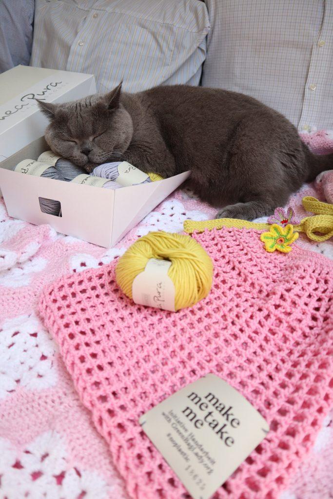 World wide knit in public day / make me take me Häkelnetz
