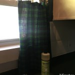 No-Sew Flannel Cafe Kitchen Curtains. Perfect for the Traditional Farmhouse Style!