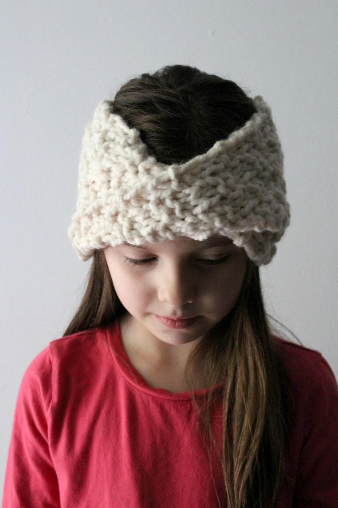 The Perfect Knit Twist Headband! - YarnHookNeedles