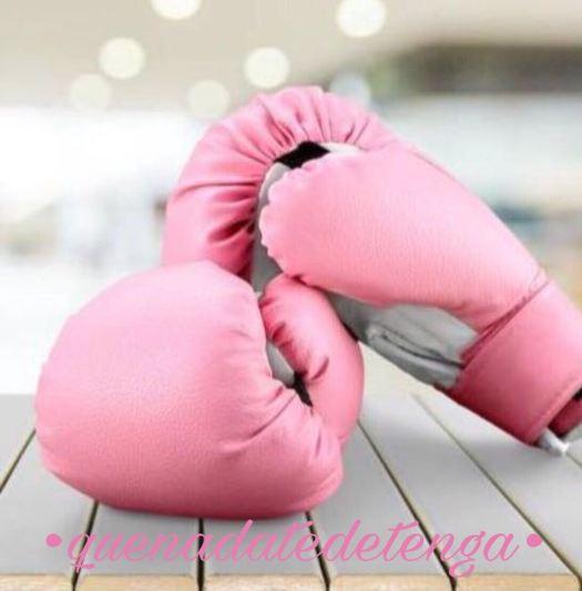 Guantes rosas contra el cáncer. #quenadatedetenga
