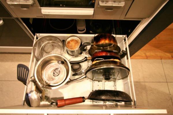 キッチンの調理器具スペース