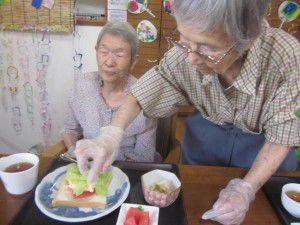 20150711今回はサンドイッチ作りを行いました♪6
