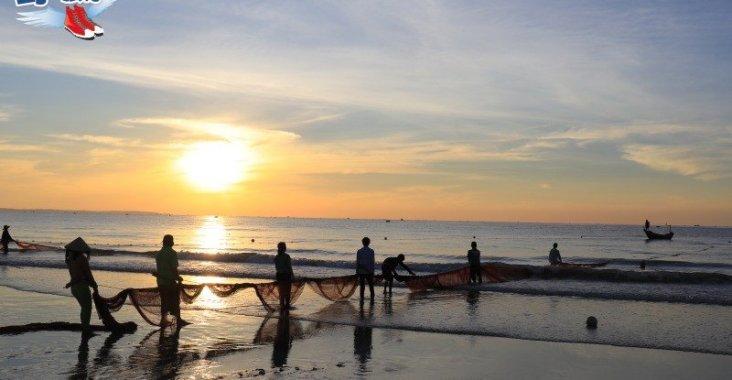 美奈海濱戲水看日出,有趣的越南傳統捕魚技法 @YA !野旅行-玩樂全世界