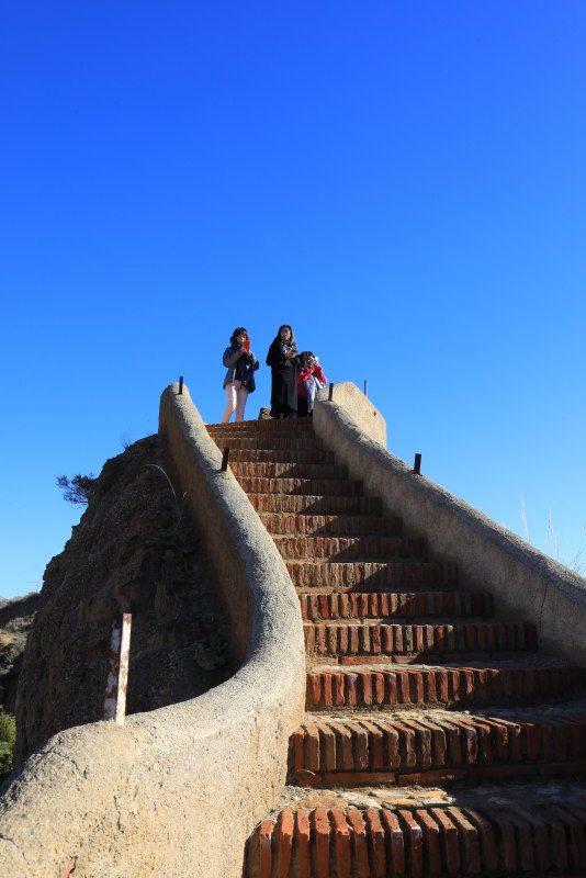 安達魯西亞瓜地斯穴居屋 走訪伊斯蘭王朝阿蘭布拉宮 @YA !野旅行-吃喝玩樂全都錄