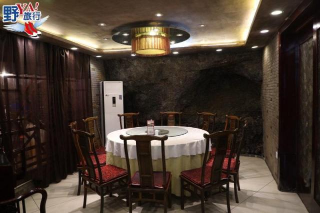 湖北|宜昌 懸崖山洞餐廳品長江肥魚 搭船體驗升船機飽覽三峽風光 @YA !野旅行-吃喝玩樂全都錄