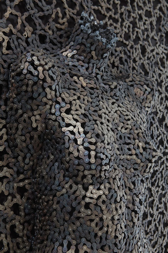 https://i2.wp.com/www.yatzer.com/assets/Article/2771/images/Seo-Young-Deok-incredible-chain-sculptures-yatzer-10.jpg