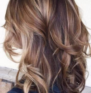 Модное окрашивание Балаяж на средних волосах