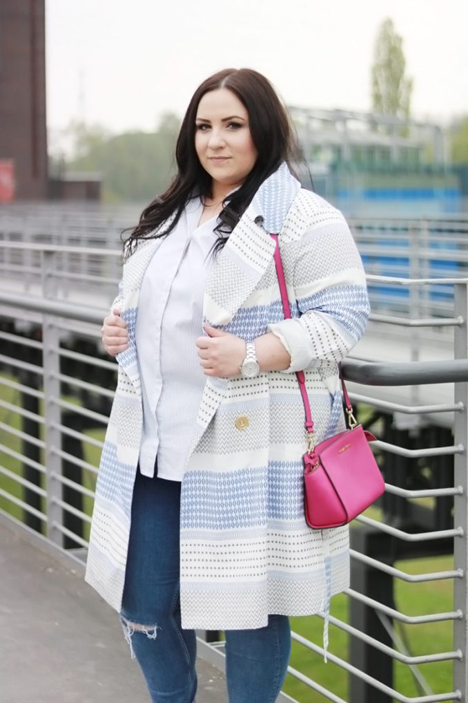 fashion for obese girls 2019 photo with a blue coat with a print