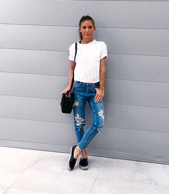 Resultado de imagem para blusas para usar com calça flare e bota