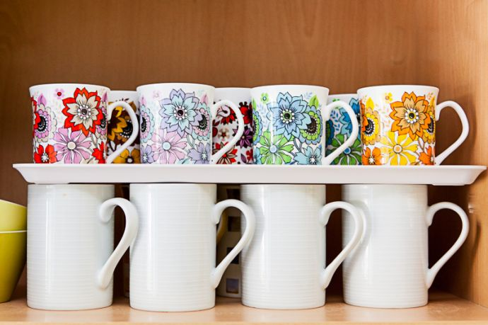 How To Store More Cups Amp Mugs In Your Cupboard Vintage Shop Retro China Glassware