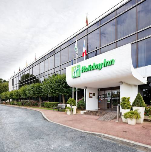 Fastest way to get free hotel loyalty reward program free nights in Paris Holiday Inn : Paris - Versailles - Bougival