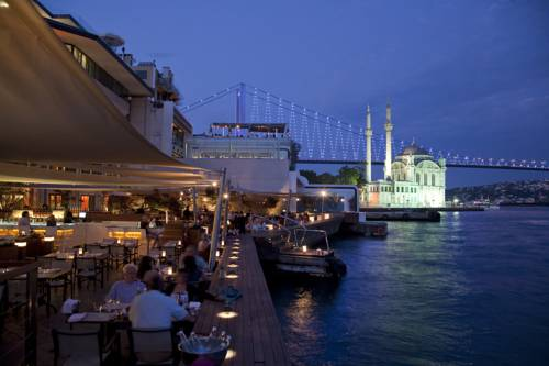 Best hotel to get free loyalty program reward nights in Istanbul : Radisson Blu Bosphorus Hotel