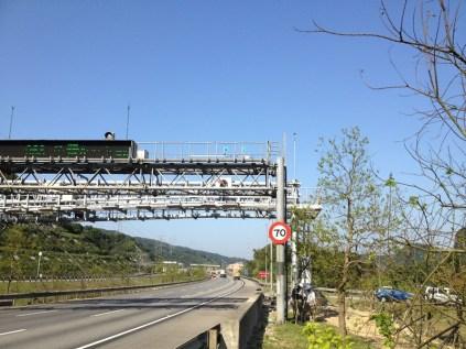 遠距離無線網路 整合 監視系統,架設於國道門型框架