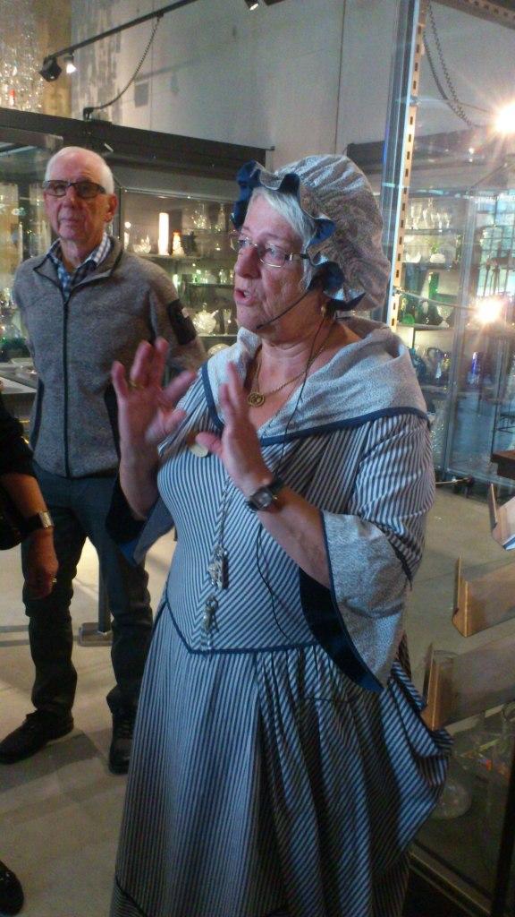 Gun Ohlsson gav en mycket bra berättelse om glasbrukets historia.