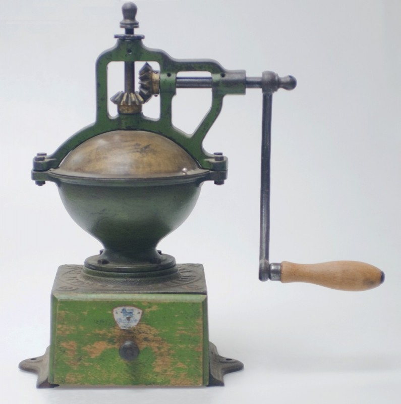 moulin a grain ancien