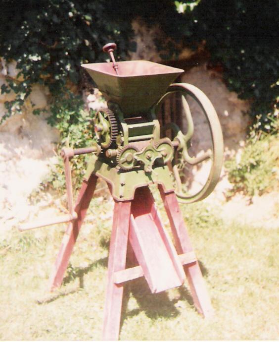 moulin a grain manuel ancien