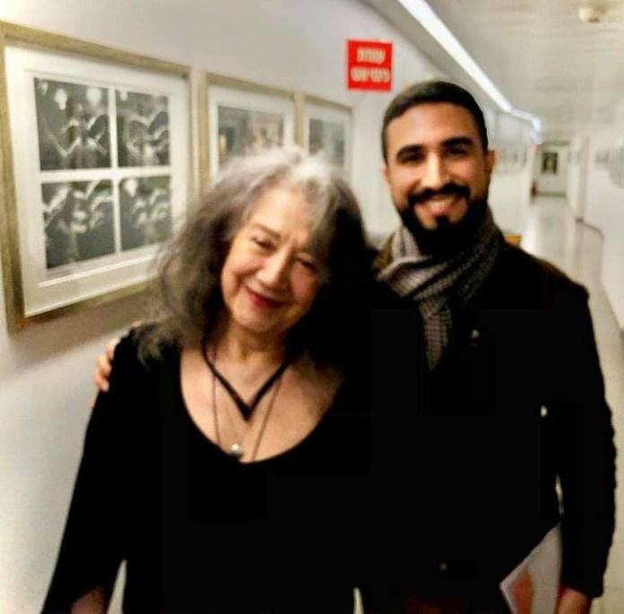 קונצרט הפילהרמונית תמונת אבי ויזמן עם הפסנתרנית מרתה ארגריץ׳