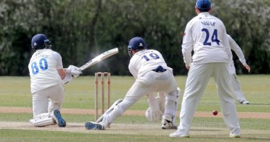 Essex second-string start with a draw