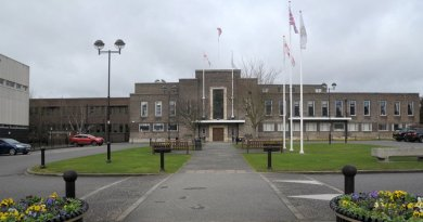 Rebel councillors fail to stop £10m Havering outsourcing contract
