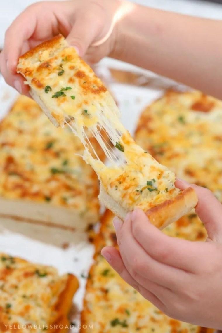 Cheesy Garlic Bread {Yellow Bliss Road}
