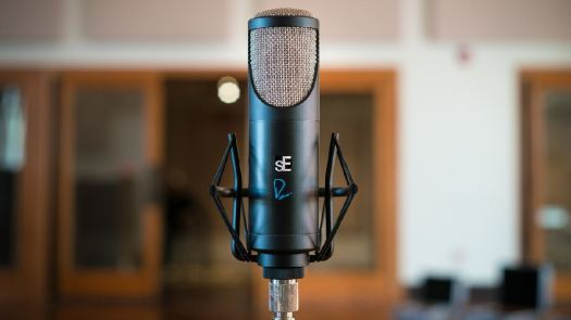 RNT altın mikrofon