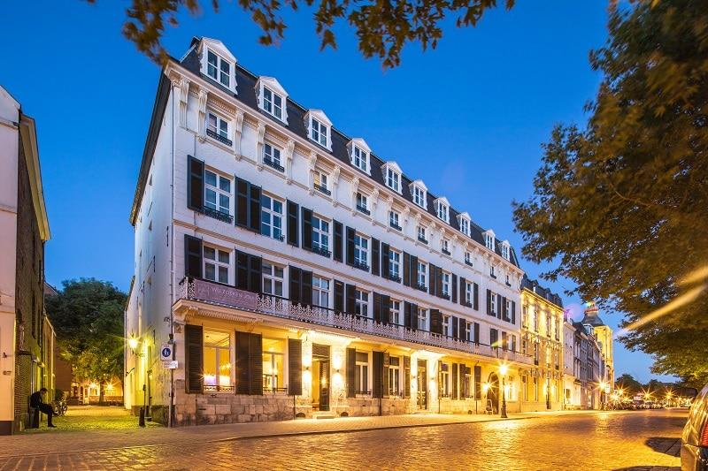 Hotel Monastère Maastricht en Café Louis