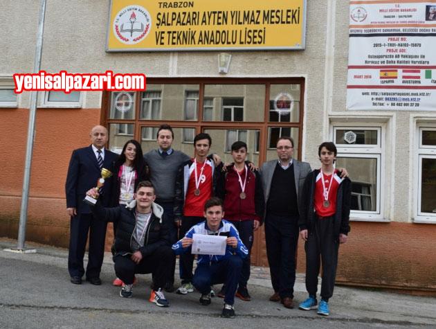 Şalpazarı AYMTAL Kros Takımı, Okul Müdürü Mustafa Demir ve öğretmenleriyle