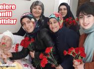 AK Parti kadınların Anneler Gününü karanfille kutladı