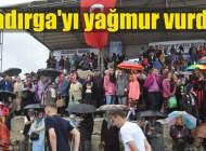 Şiddetli yağmur, Kadırga Otçu Şenliği'ni çileye dönüştürdü