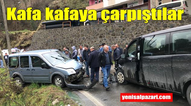 Tepebaşı'nda iki araç çarpıştı 6 kişi yaralandı