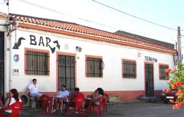 Bar y Tienda de pueblo