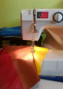 הכסא הצבעוני - תפירת הריפוד