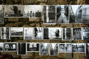 What to do with your travel photos - DIY hanging photo display | Yesihaveablog