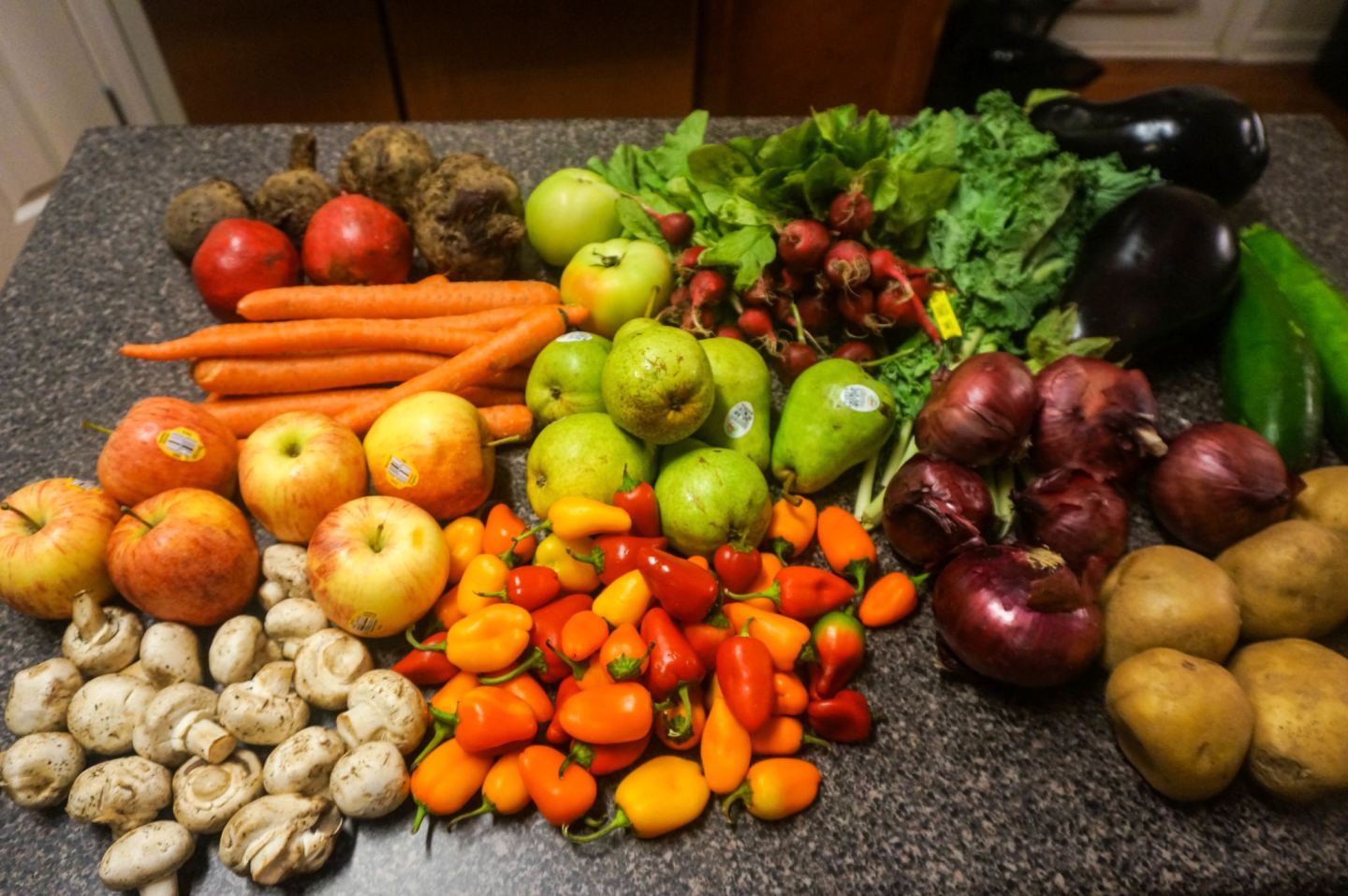 Reducing food waste with the help of Misfits Market Madness box
