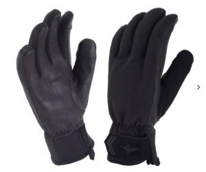 Winter hiking - Sealskinz gloves