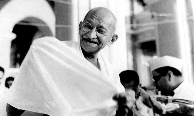 Mahatma_Gandhi_laughing 650.jpg