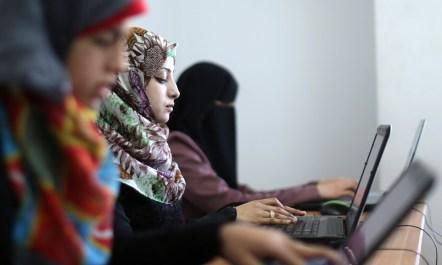 gaza-women-tech.jpg