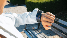 Wristcam, a strap with front & rear cameras for Apple Watches unveiled