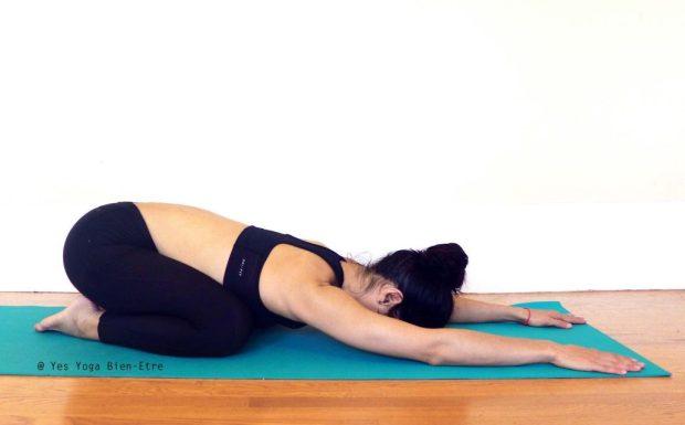 Balasana Adho Mukha Virasana la Posture de l'enfant par Yes Yoga Bien Etre