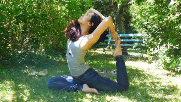 Eka pada rajakapotasana posture du pigeon à une jambe yes yogs bien être