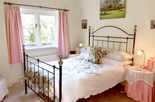 B&B-Berrow-Double-Ensuite-Room