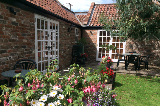 B&B-Berrow-Twin-Double-Garden-Room